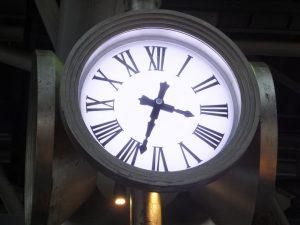 時空の広場の時計