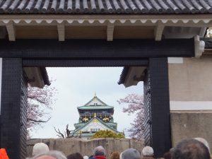 桜門から見える天守閣