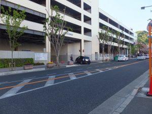 市立箕面駅前第一駐車場の入口
