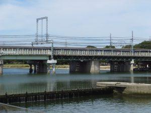 武庫川河川敷緑地の様子
