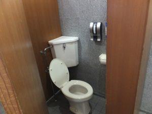 男子用洋式トイレ