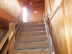 展望休憩舎の階段