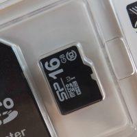 micro SDHCカードの取り付け方