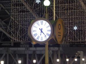 時空の広場の大時計
